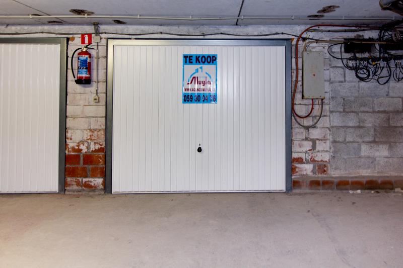 Ruime, gemakkelijk bereikbare garage in ondergronds complex
