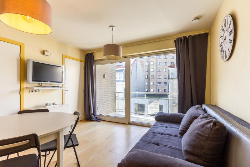 Gezellig appartement met slaapkamer en -hoek, op 10 meter van de dijk